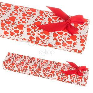 Darčeková krabička na náramok - roztrúsené srdiečka a mašľa