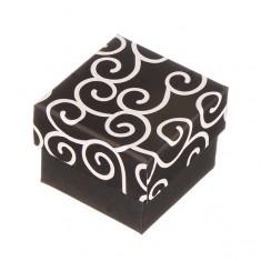 Šperky eshop - Krabička na prsteň - čierna s bielymi ornamentmi Y25.9