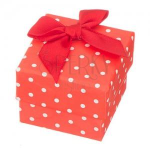 Červená krabička na prsteň - biele bodky s mašľou