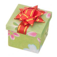 Šperky eshop - Krabička na darček - kocka s rôznofarebným motívom a mašľou TY17 - Farba: Ružová