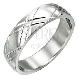 Oceľový prsteň - lesklý povrch, diagonálne ryhovanie v tvare X