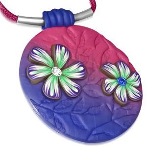 Náhrdelník fimo - ružovo-modrý kruh s kvietkami na ružovej šnúrke