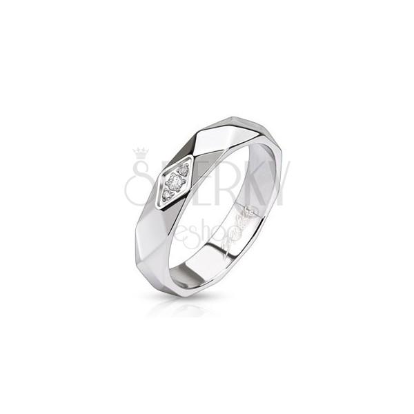Lesklý oceľový prsteň - pás z kosoštvorcov, zirkóny