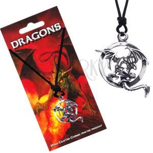 Čierny šnúrkový náhrdelník s letiacim drakom v obruči