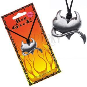 Šnúrkový náhrdelník s lesklým diabolským srdcom