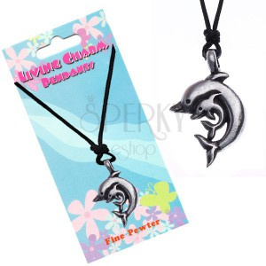 Šnúrkový náhrdelník s príveskom dvoch delfínov