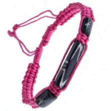 Ružový pletený náramok s troma tmavými korálkami