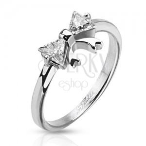 Oceľový prsteň s mašličkou a dvoma čírymi zirkónmi