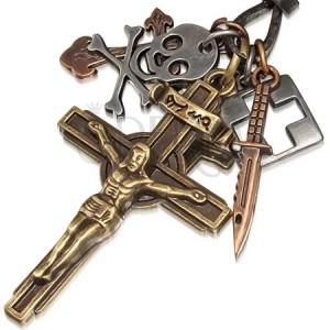 Náhrdelník s kovovými príveskami - krucifix, lebka, nôž