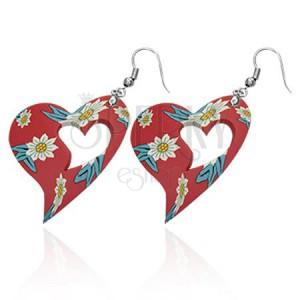 Náušnice, červené vyrezávané FIMO srdce s kvietkami