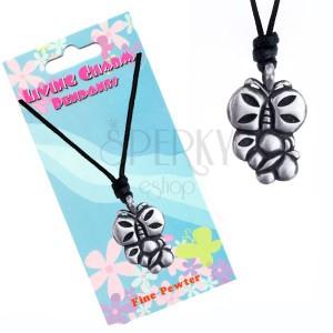 Šnúrkový náhrdelník s kovovým príveskom dvoch motýľov