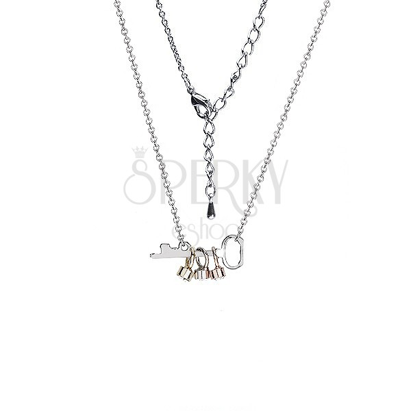 Lesklý náhrdelník s kľúčikom a farebnými očkami so zirkónom