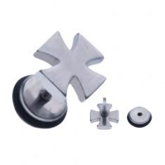 Šperky eshop - Oceľový fake piercing do ucha - maltézsky kríž striebornej farby AA44.06