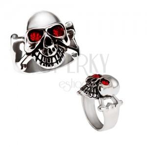 Lesklý oceľový prsteň - lebka striebornej farby s červenými očami