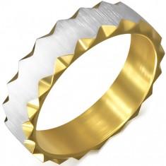 Oceľový prsteň zlatej farby so saténovým pásom, trojuholníkové výrezy