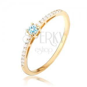 Prsteň zo žltého zlata 14K - lesklý, hladký, modrý kameň, drobné zirkóniky