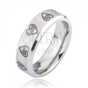 Oceľový prsteň striebornej farby - sivé obrysy sŕdc s nápisom Love
