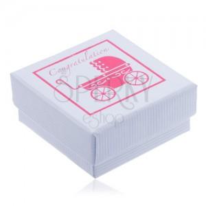 Biela vrúbkovaná krabička na šperk s ružovým dobovým kočíkom