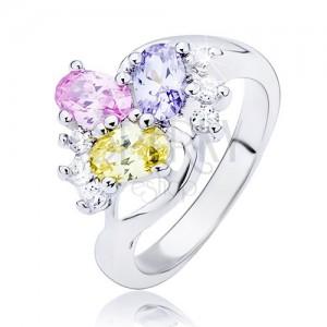 Lesklý prsteň - zvlnená línia a farebné oválne zirkóny