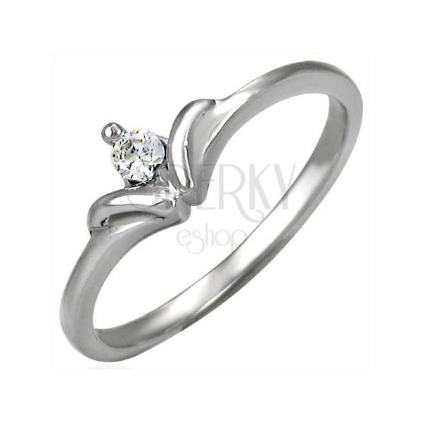 Zásnubný prsteň so vzorom mašličkového kamienka