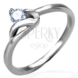 Zásnubný prsteň s jemným zirkónom