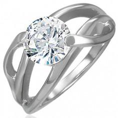 Šperky eshop - Zásnubný prsteň s priečnym úchytom a okrúhlym čírym zirkónom, oceľ 316L D3.14 - Veľkosť: 49 mm