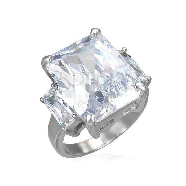 Oceľový prsteň s masívnym čírym zirkónom a dvoma menšími po stranách