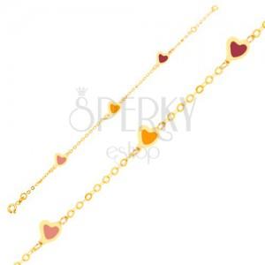 Náramok v žltom 9K zlate - farebné glazúrované srdcia, ligotavá retiazka