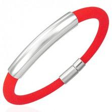 Okrúhly silikónový náramok s hladkou známkou, červený