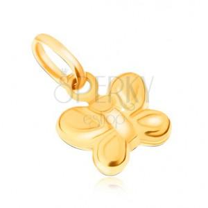 Prívesok zo žltého 9K zlata - ligotavý ozdobne ryhovaný motýľ