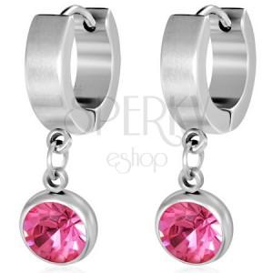 Okrúhle oceľové náušnice, brúsený ružový kamienok v objímke