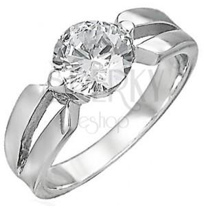 Zásnubný prsteň s medzerou v úchyte zirkónu