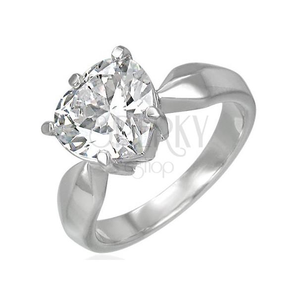Zásnubný prsteň s veľkým čírym zirkónom v tvare srdca