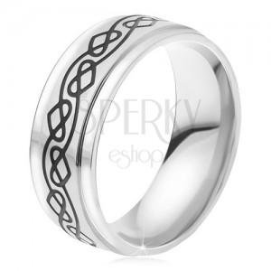 Oceľový prsteň - strieborná farba, tenká gravírovaná zvlnená línia, srdcia
