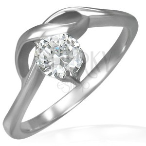 Zásnubný prstienok s okrúhlym zirkónom a jemnými vlnkami