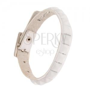 Biely kožený náramok na ruku - lesklé biele pyramídové vybíjanie