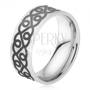 Oceľový prsteň - obrúčka striebornej farby, hrubý čierny ornament, srdcia