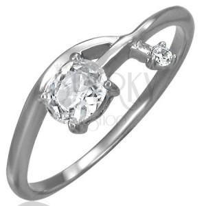 Zásnubný prsteň - prepletená zirkónová šípka