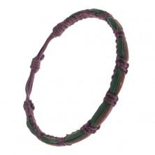 Tmavofialový pletený náramok, tri farebné prúžky kože na povrchu