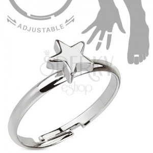 Ródiovaný nastaviteľný  prsteň striebornej farby, lesklá päťcípa hviezda