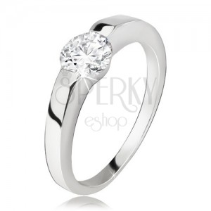 Strieborný prsteň, rozširujúce sa ramená, okrúhly číry zirkón, striebro 925