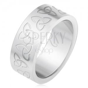 Oceľový prsteň s gravírovanými keltskými symbolmi, Triquera