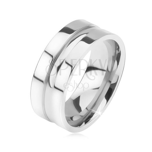 Lesklý oceľový prsteň, rovný povrch, zaoblený stredový prúžok