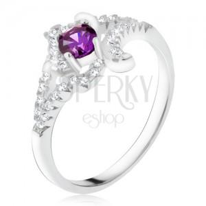 Strieborný prsteň 925, fialový kamienok, zatočené zirkónové ramená