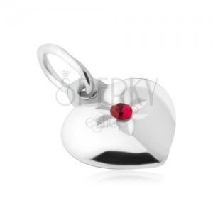 Prívesok - súmerné vypuklé srdce, červený kamienok, striebro 925