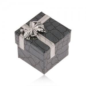 Darčeková krabička sivočiernej farby, kamene, strieborná mašľa