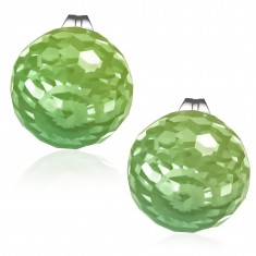 Náušnice z ocele, brúsená sklenená korálka zelenej farby