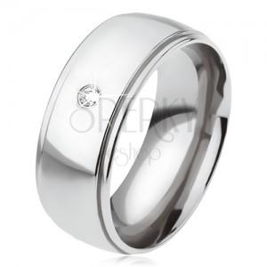 Oceľový prsteň s lesklým oblým stredovým pásom, číry zirkón