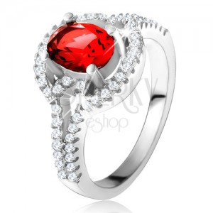 Prsteň s červeným oválnym zirkónom, rozdvojené zaoblené ramená, striebro 925