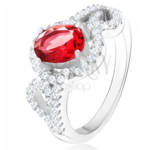 Prsteň s oválnym červeným zirkónom, polovice obrysov sŕdc, striebro 925
